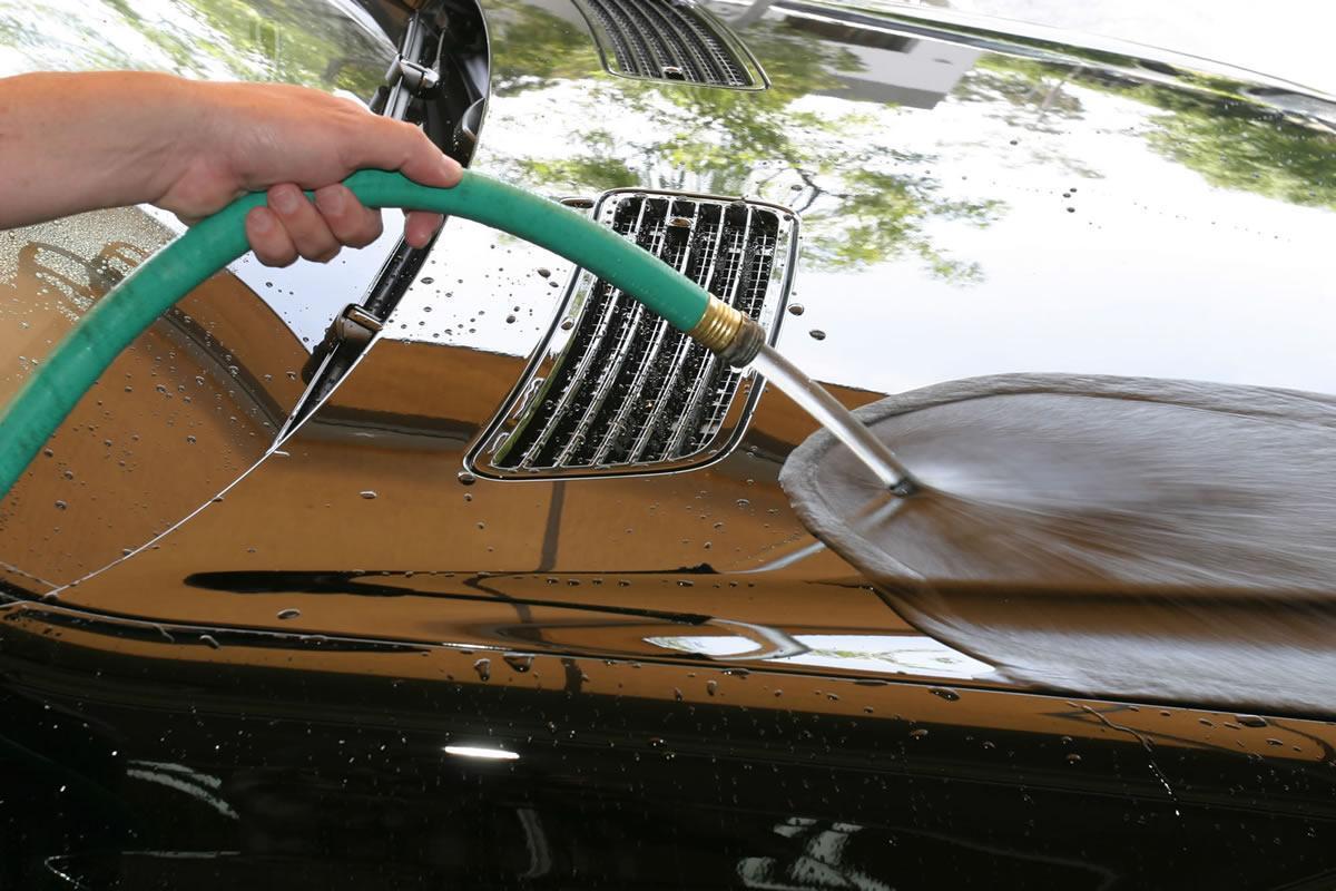 spłukanie auta strumieniem wody Meguiars