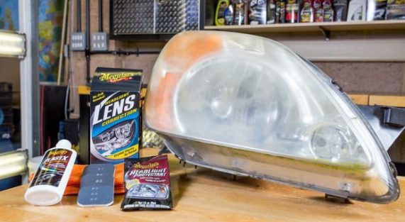 Krystaliczna przejrzystość z Meguiar's Headlight Lens Correction!